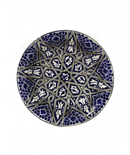 Enamelled ceramic plate