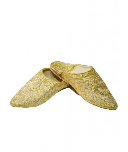 Traditional babouche slipper