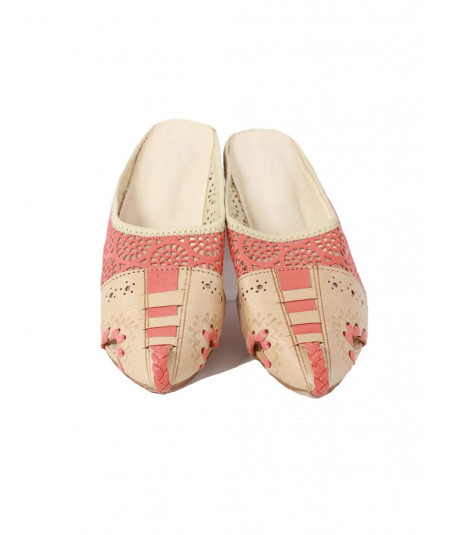 Engraved flower babouche slipper