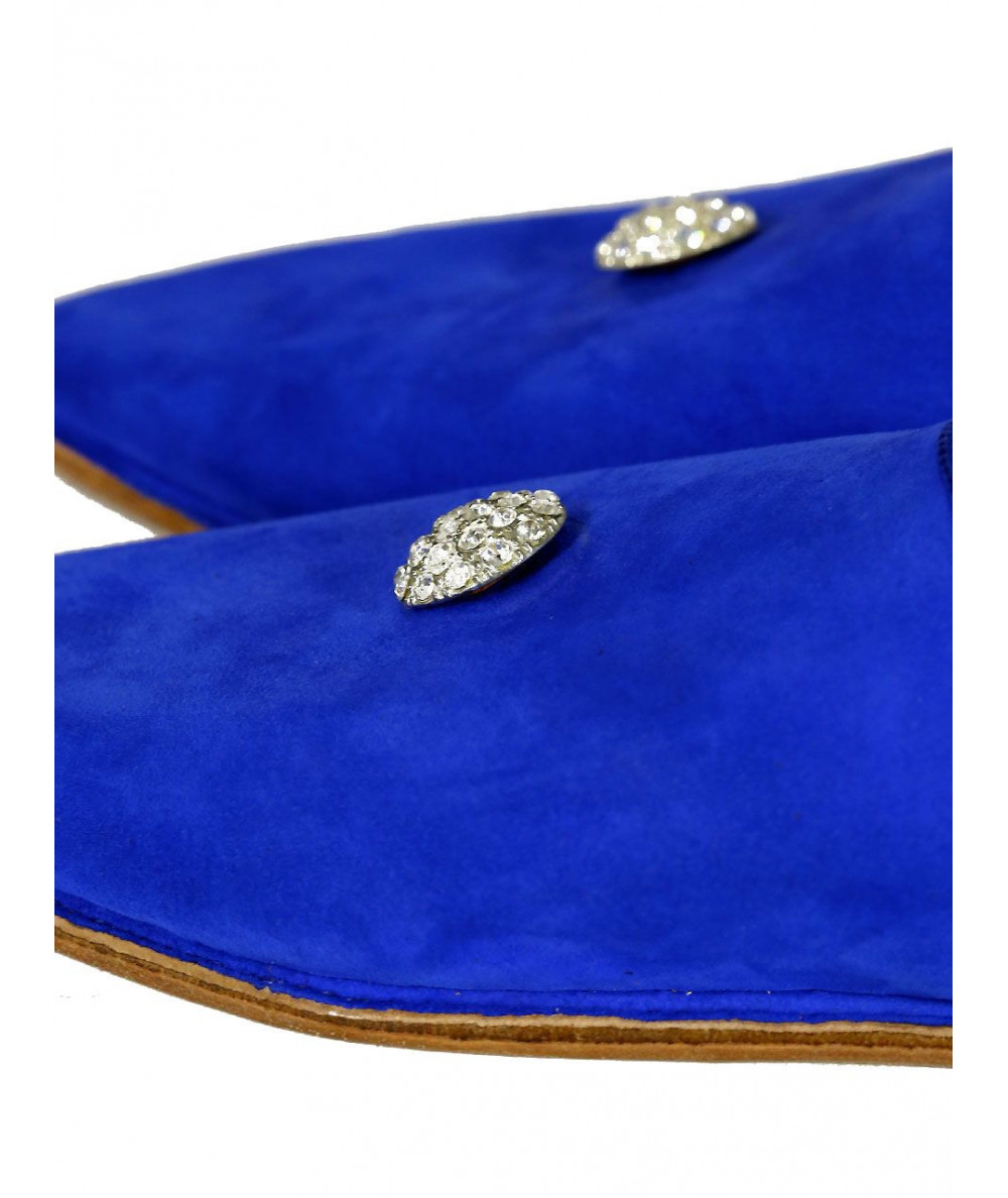 Pointed suede slipper decorated with pearls
