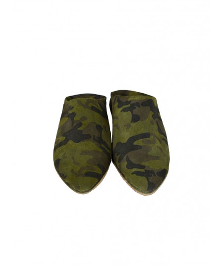 Suede slipper pointed military pattern