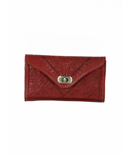 Clutch in pelle incisa
