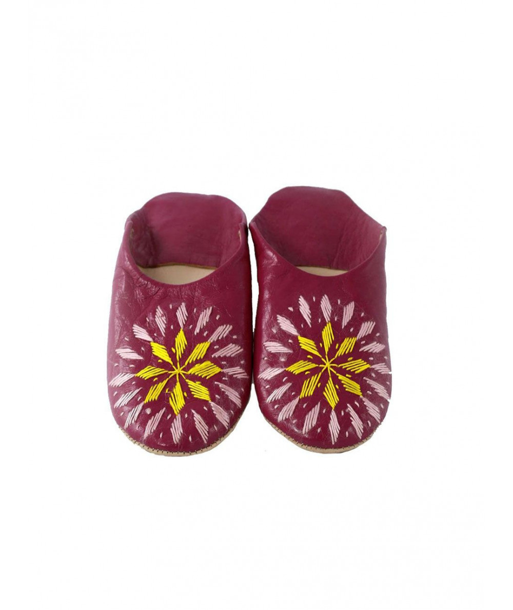 Embroidered soft slipper