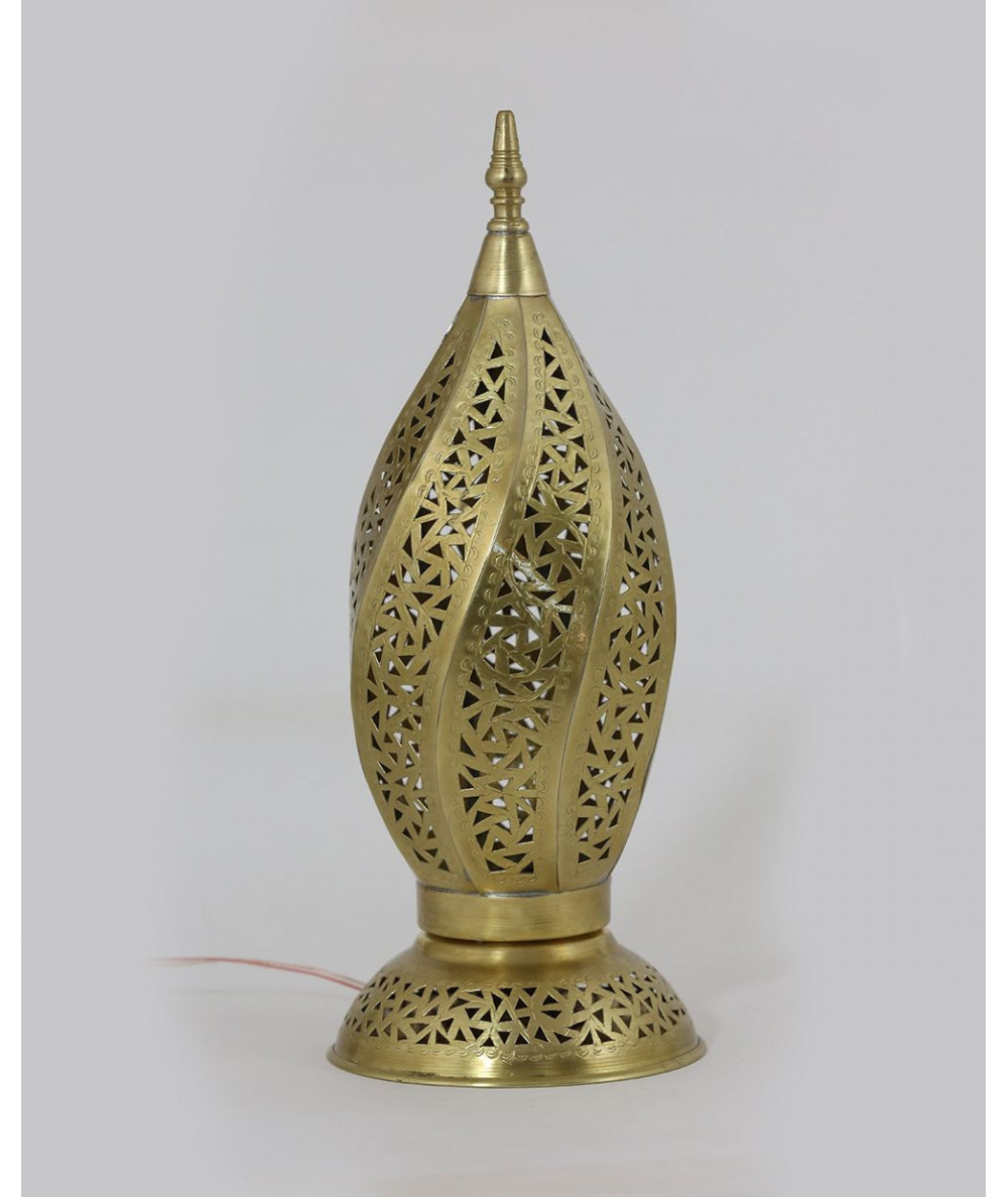 Small gilded lamppost in almond format