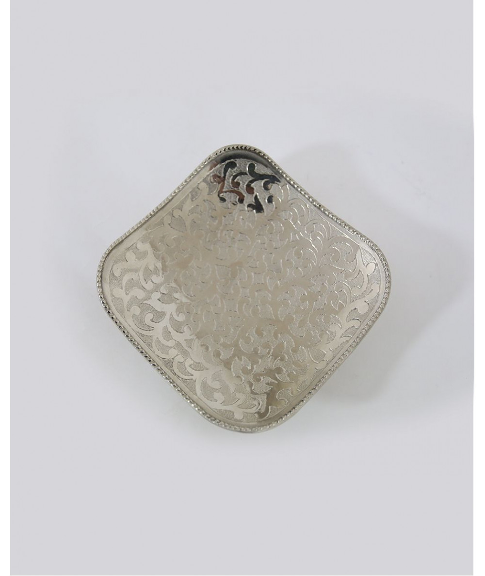 Small plate of silver color