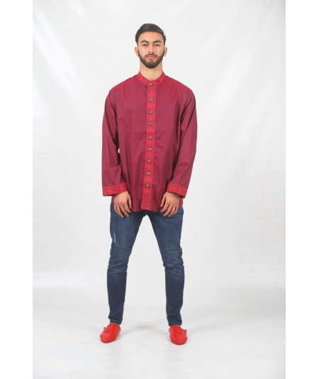 Chemise rouge traditionnelle