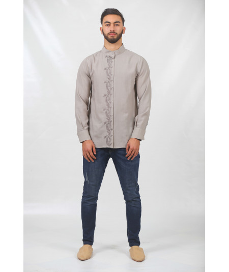 Khaki shirt embroidered with snaps