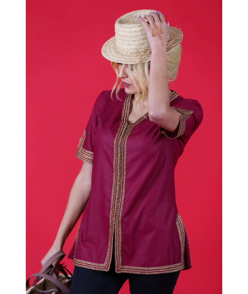 Burgundy tunic with beige sfifa