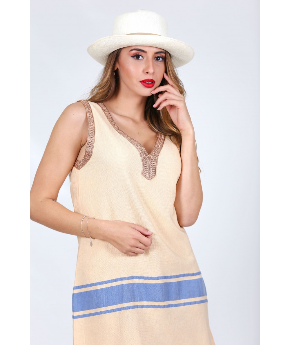 Beige tunic with beige sfifa