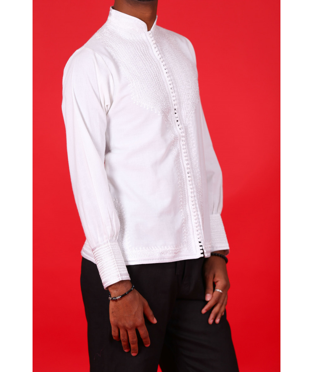 Embroidered tunic with white sleeves