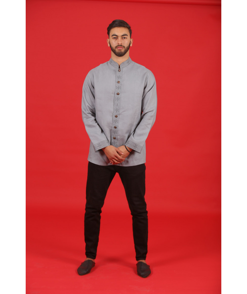 Traditional shirt in gray